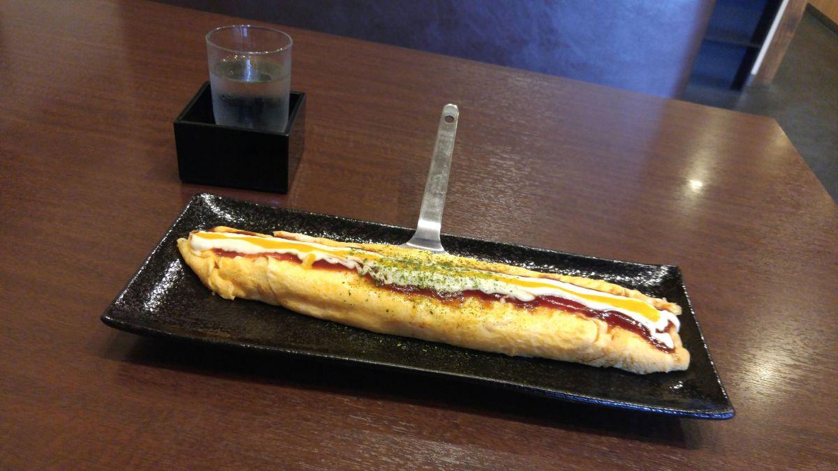 """Rouleau d'Oeufs et de Porc Style Osaka À """"Tonbo"""" dans la Ville de Shimada"""